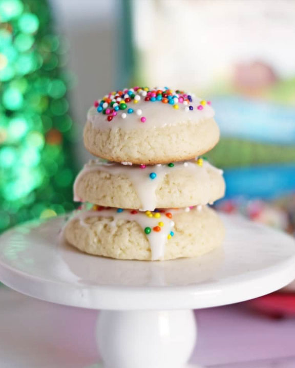 stack of 3 anise cookies for italian dessert