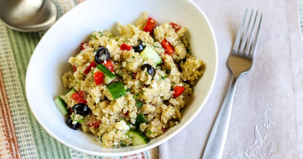 mediterranean salad with quinoa